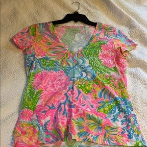 Lilly Pulitzer V-neck Tee, Size L